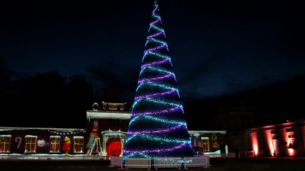 magical pixel mapped singing christmas tree by LCI Productions