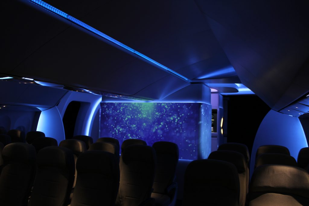av experience in boeing airplane by lci